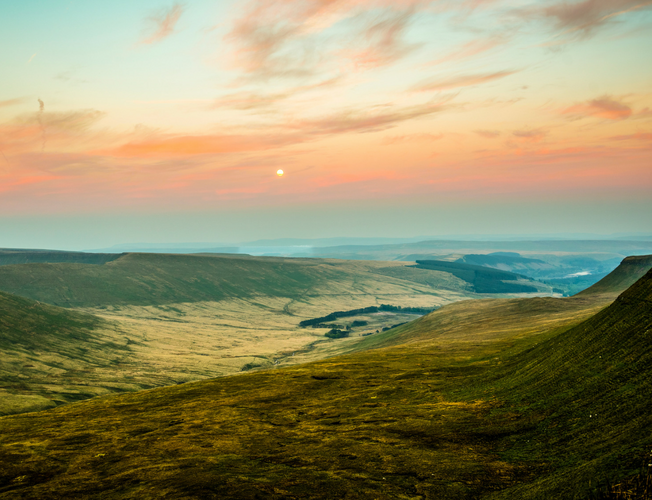 Best Walks in the Brecon Beacons & Snowdonia